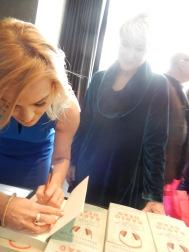 autograph-dee